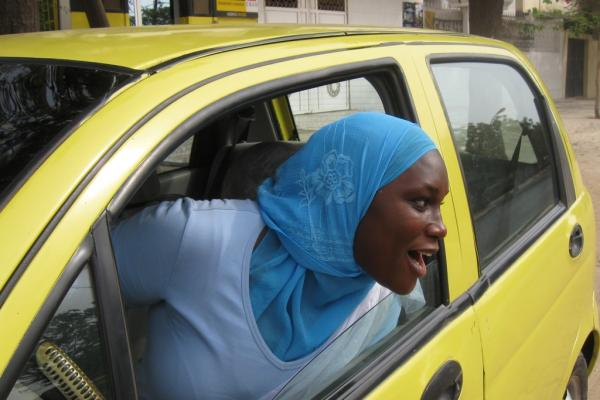 senegal-female-taxi-drivers.jpg